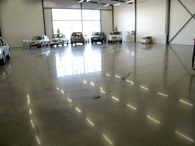 金刚砂耐磨地坪施工后的地面为何能长久保持光亮?